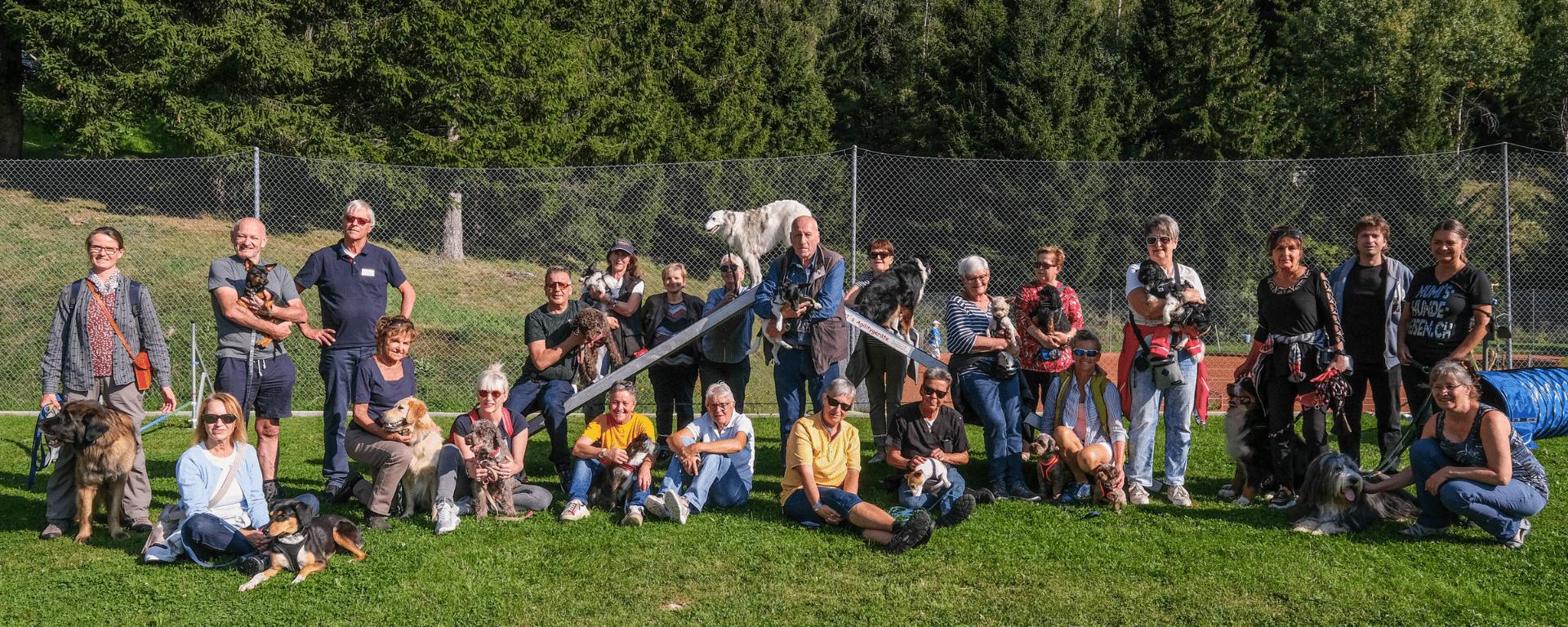 Hundereise in Distentis Gruppenbild